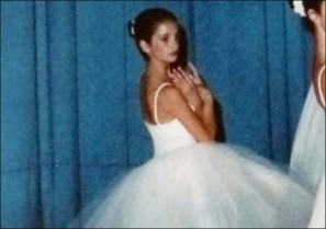 But growing up, all Penelope wanted to do was dance - she spent 10 years training ballet, according to an interview with 60 Minutes. In the interview, she also said that the ballet training she had helped her land acting roles later on. Image provided by The Sun